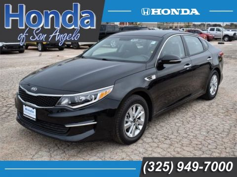 Pre-Owned 2017 Kia Optima LX Auto